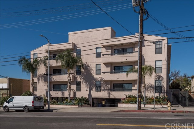 4829 Whitsett Avenue Unit 106 Valley Village, CA 91607 - MLS #: SR18053476