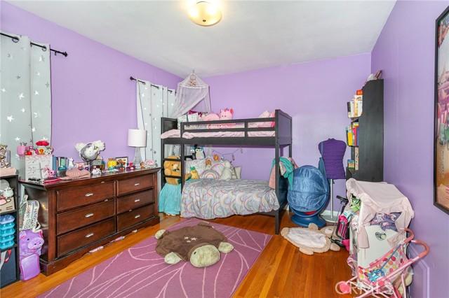 5706 Costello Avenue, Valley Glen CA: http://media.crmls.org/mediascn/e4bf0b91-c88e-42db-a4c4-24d1f9c14819.jpg