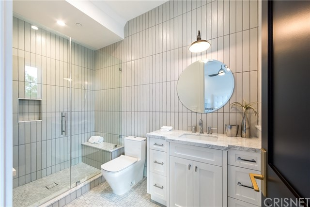 Additional photo for property listing at 17201  Mccormick Street 17201  Mccormick Street Encino, California 91316 United States