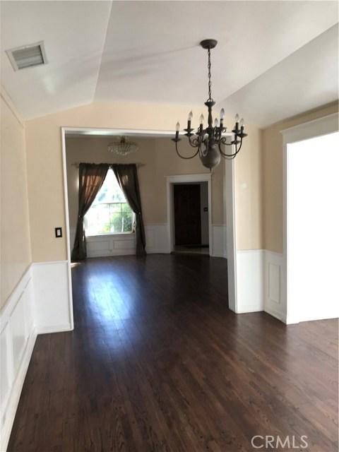 3781 Laurel Canyon Boulevard, Studio City CA: http://media.crmls.org/mediascn/e5866a14-6918-4d05-9f2b-8f42034bcd68.jpg