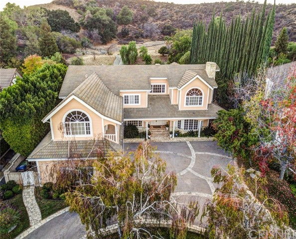 Single Family Home for Sale at 4645 Westchester Drive Woodland Hills, California 91364 United States