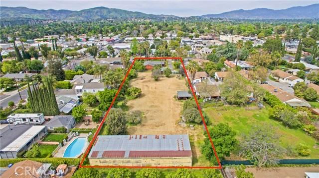 17540 Kingsbury Street, Granada Hills CA: http://media.crmls.org/mediascn/e60bbd73-c533-4d11-8836-ee87ab4bd4ee.jpg