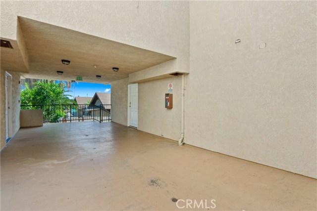 736 N Garfield Avenue, Pasadena CA: http://media.crmls.org/mediascn/e61cc6ff-ccfe-4cfc-9227-ab90bffa1374.jpg