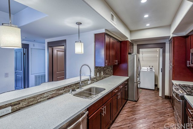 Detail Gallery Image 1 of 26 For 24595 Town Center Dr #3201,  Valencia,  CA 91355 - 3 Beds | 2 Baths