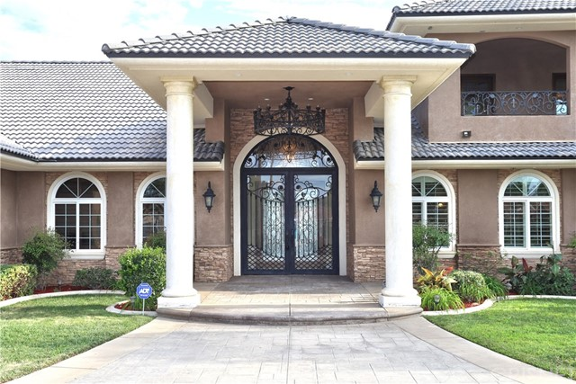 Casa Unifamiliar por un Venta en 3238 Camino Del Sur Lancaster, California 93536 Estados Unidos