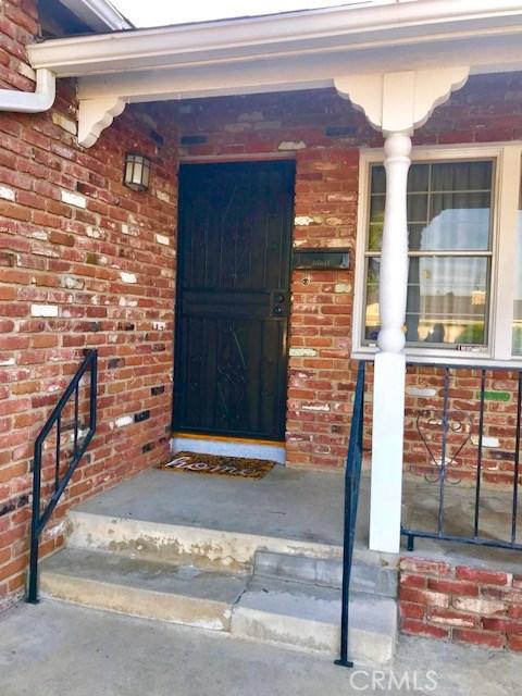 6857 Quakertown Avenue, Winnetka CA: http://media.crmls.org/mediascn/e64ebc93-9e08-4b58-bae5-c9bdec0dbeac.jpg