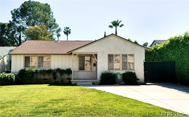 Single Family Home for Rent at 17038 Kingsbury Street Granada Hills, California 91344 United States