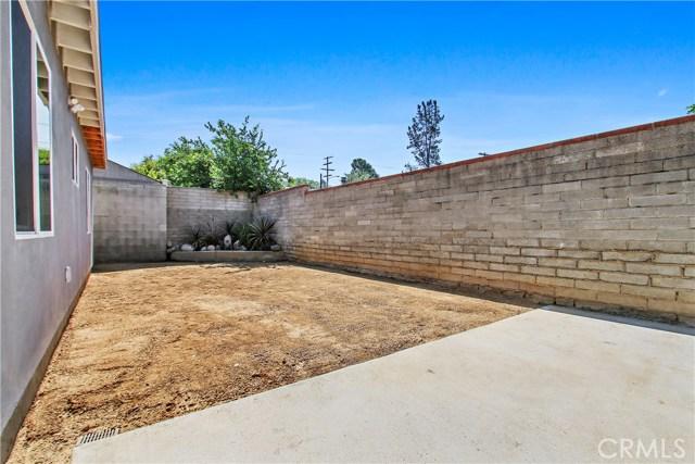 8614 Wentworth Street, Sunland CA: http://media.crmls.org/mediascn/e6c07a25-beab-4b36-a74a-a35e1b847d94.jpg