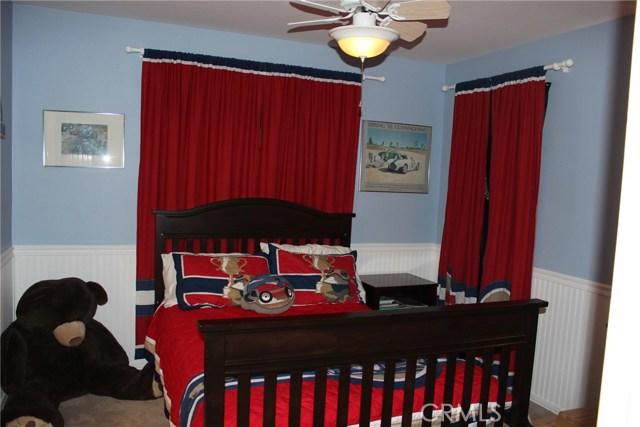 26452 Beecher Lane, Stevenson Ranch CA: http://media.crmls.org/mediascn/e6ee7e06-11ad-40db-b5c5-d923a9b738c6.jpg