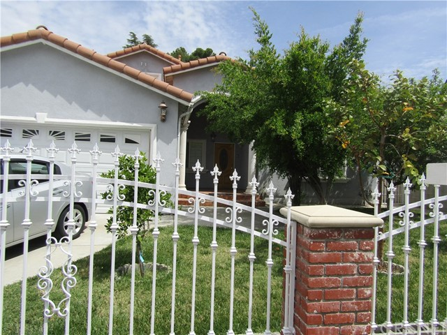 Single Family Home for Sale at 3135 Evelyn Street La Crescenta, California 91214 United States