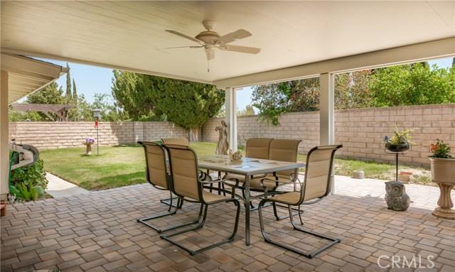 13225 Whistler Avenue, Granada Hills CA: http://media.crmls.org/mediascn/e6fec089-9c41-461e-9593-c2eb197e3524.jpg