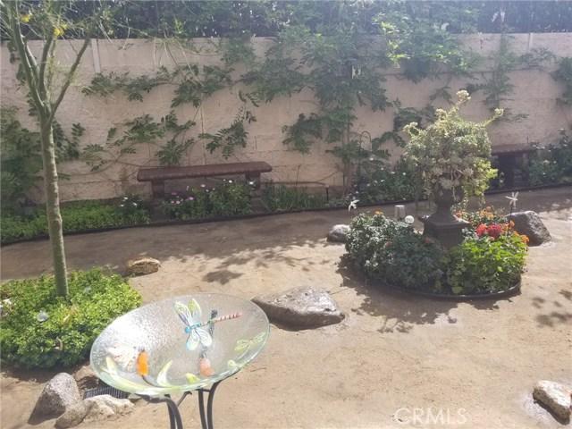 9484 Water Fall Lane, Pacoima CA: http://media.crmls.org/mediascn/e71acd18-71de-47b8-ab76-ab7b93de3dbd.jpg