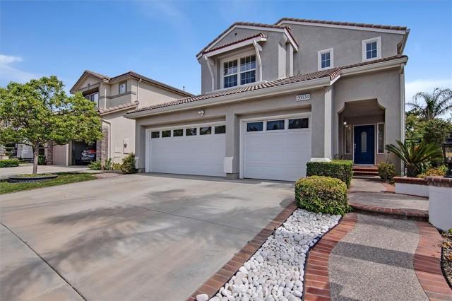 20538 Como Lane, Porter Ranch CA: http://media.crmls.org/mediascn/e728880c-3fe8-4b0c-a006-73f9a886881f.jpg