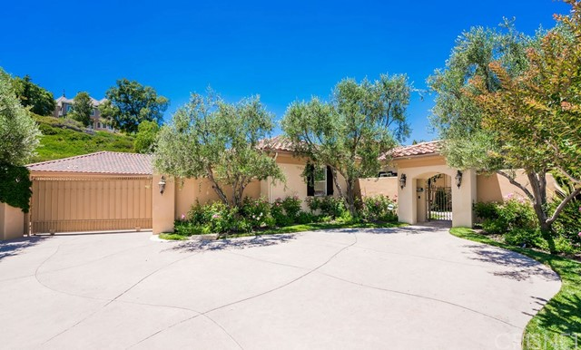 Photo of 23023 Green Crest Drive, Newhall, CA 91321