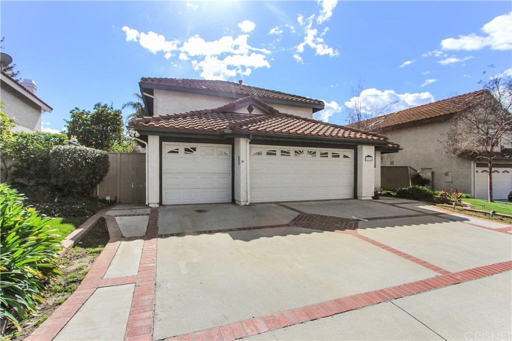 12202 WILLOW SPRING Drive - Moorpark, California