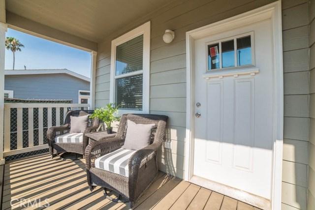 7515 Owensmouth Avenue  Canoga Park CA 91303