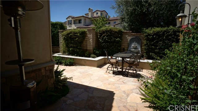 25854 Shady Oak Lane, Valencia CA: http://media.crmls.org/mediascn/e7f17310-9a0c-4a46-8378-3f5ac188d47e.jpg