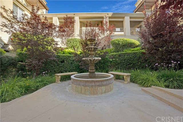 Photo of 5240 Premiere Hills Circle #211, Woodland Hills, CA 91364