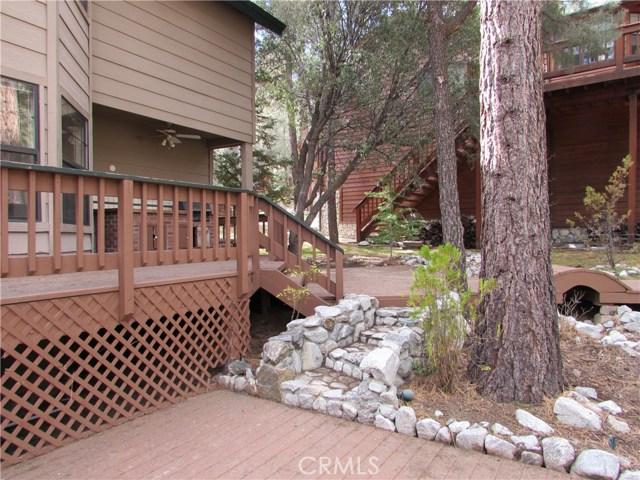 2117 Cypress Way, Pine Mtn Club CA: http://media.crmls.org/mediascn/e863c041-8f45-4b73-b188-9471fefbcc60.jpg