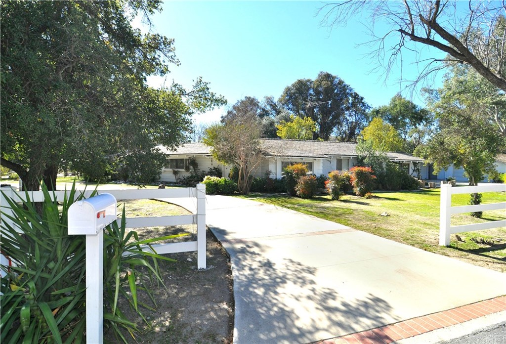 23712 TWIN OAKS Place, Hidden Hills, CA 91302