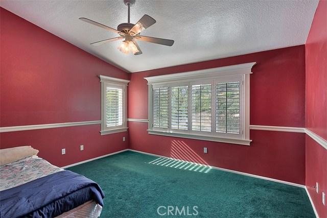 26061 Salinger Lane, Stevenson Ranch CA: http://media.crmls.org/mediascn/e876b2bb-bc84-417e-b400-e72c2cf8bfd3.jpg
