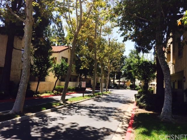 3174 Darby Street 206 Simi Valley, CA 93063 is listed for sale as MLS Listing SR15157232