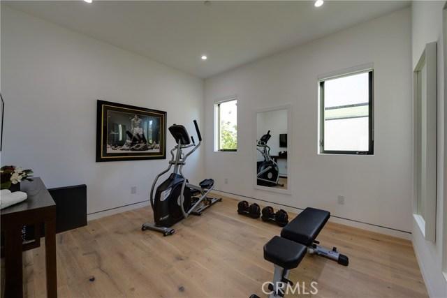823 N Mansfield Avenue, Hollywood CA: http://media.crmls.org/mediascn/e8c28e1b-27ea-4f27-8ec3-00a425e4f72b.jpg