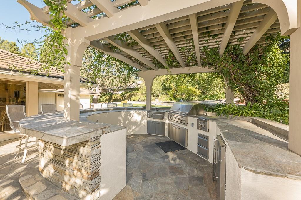 4174 ARROWHEAD Circle, Westlake Village, CA 91362