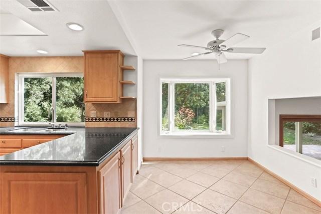 23600 Blythe Street, West Hills CA: http://media.crmls.org/mediascn/e92ec9c5-fe22-4f23-aed5-22216832a21e.jpg