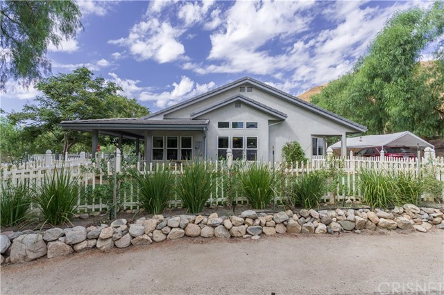 独户住宅 为 销售 在 18171 Lost Creek Road Saugus, 91390 美国