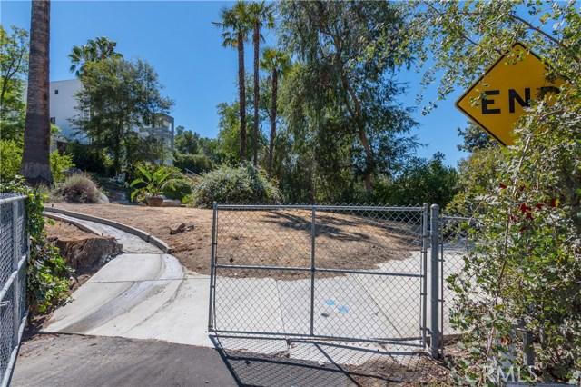 22133 Mulholland Drive, Woodland Hills CA: http://media.crmls.org/mediascn/e939680a-ca7f-4bb4-b71a-287481c8a290.jpg