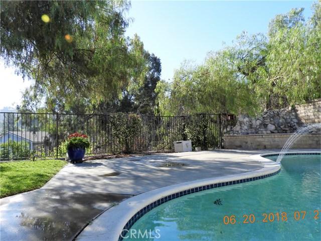 22906 Sycamore Creek Drive, Valencia CA: http://media.crmls.org/mediascn/e941378d-9087-4199-8995-dfd85cd3a4d8.jpg