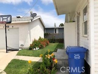 14919 Larch Avenue, Lawndale CA: http://media.crmls.org/mediascn/e9714fe9-50c8-4f87-91d0-75b2884e1431.jpg