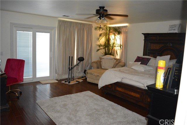 17278 Summit Hills Drive, Canyon Country CA: http://media.crmls.org/mediascn/e9aa6f7b-299c-4199-9e4b-3e815ef9ca92.jpg