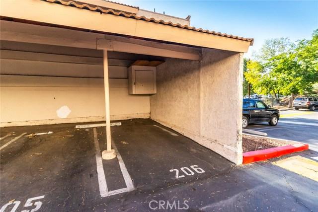 5800 Kanan Road, Agoura Hills CA: http://media.crmls.org/mediascn/e9fbc8af-9344-43c0-94c2-261285027068.jpg