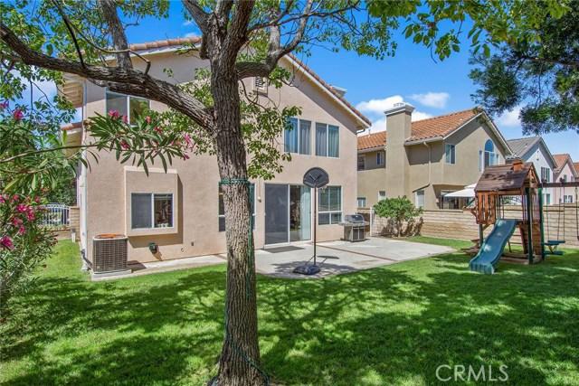 1399 Oak Trail Street, Thousand Oaks CA: http://media.crmls.org/mediascn/ea3b4c7f-6985-4363-a9c1-1fdc799b2dff.jpg