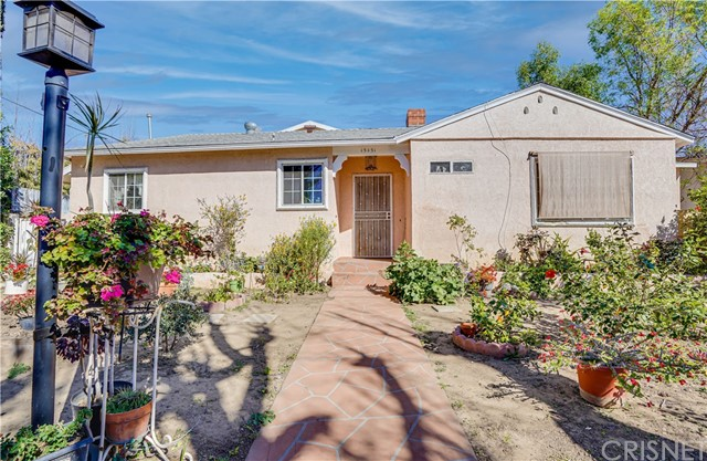 Detail Gallery Image 1 of 41 For 15451 Saticoy St, Van Nuys,  CA 91406 - 5 Beds | 3/1 Baths