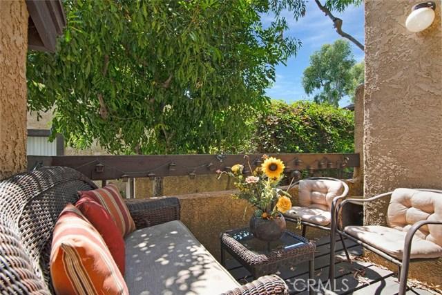 14201 Foothill Boulevard, Sylmar CA: http://media.crmls.org/mediascn/ea69cb82-6c57-4e76-8040-3bfec1e39258.jpg