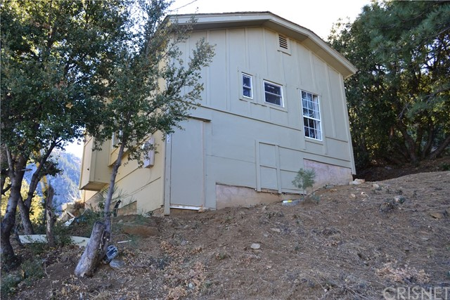 Detail Gallery Image 1 of 4 For 1724 Zermatt Dr, Pine Mountain Club,  CA 93225 - 1 Beds | 1 Baths