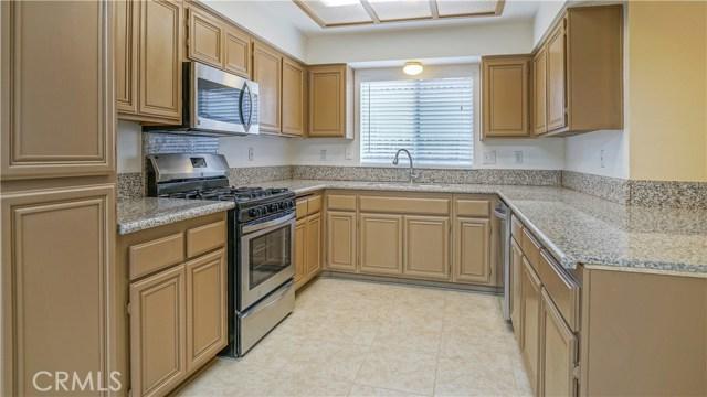 44919 Fenhold Street, Lancaster CA: http://media.crmls.org/mediascn/eb6bc569-710c-4d36-be06-721db26973f8.jpg