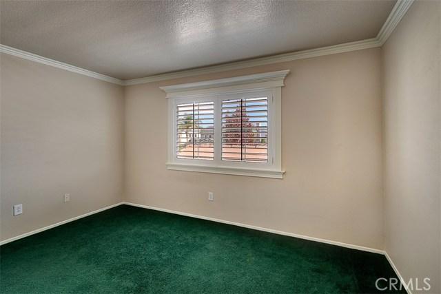 26061 Salinger Lane, Stevenson Ranch CA: http://media.crmls.org/mediascn/eb93226c-def4-4df4-9b49-45126d96f37e.jpg