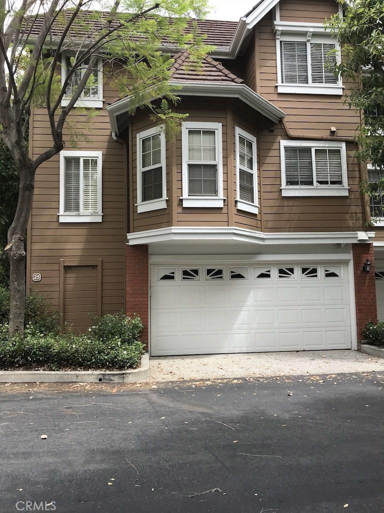 Photo of 20950 Oxnard Street #25, Woodland Hills, CA 91367