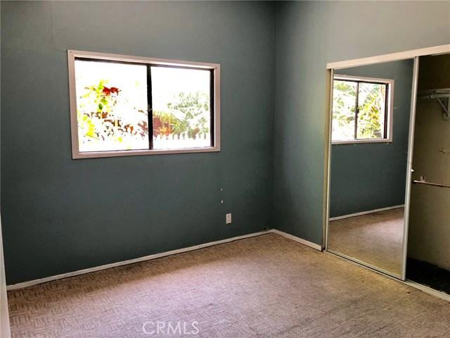 7800 Geyser Avenue, Reseda CA: http://media.crmls.org/mediascn/ebba7ee3-022a-4921-8bf6-628ae7beb877.jpg