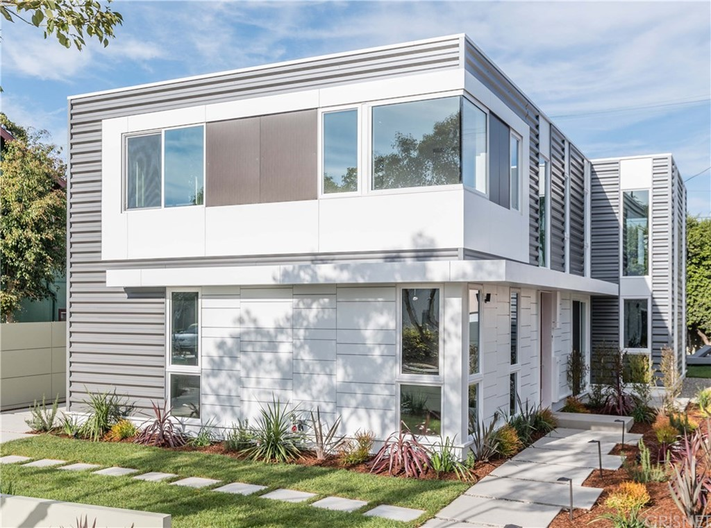Photo of home for sale at 4342 COOLIDGE Avenue, Los Angeles CA