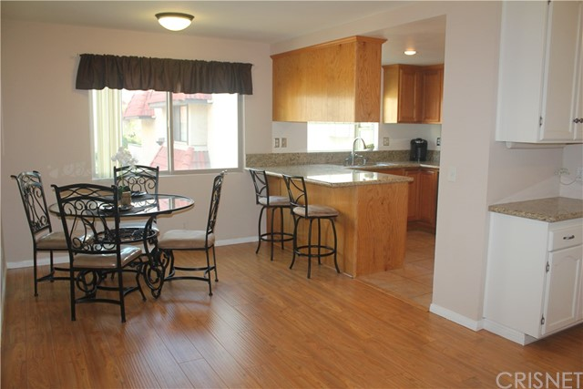 27631 Nugget Drive, Canyon Country CA: http://media.crmls.org/mediascn/ebdd5a6e-fbef-4c09-a40a-fafe28af60b4.jpg