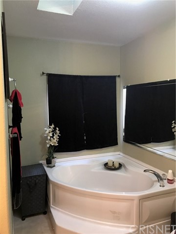 23500 The Old Road Unit 4 Newhall, CA 91321 - MLS #: SR18117983