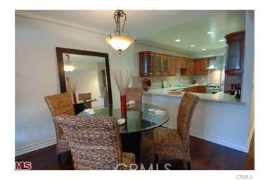 11911 Mayfield Avenue, Los Angeles CA: http://media.crmls.org/mediascn/ebf0e054-5036-4961-bd40-e2637ffadb37.jpg