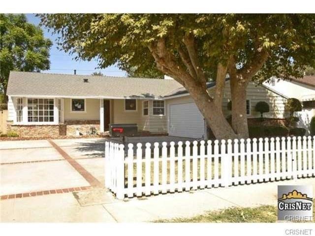 Single Family Home for Rent at 17107 Vose Street Lake Balboa, California 91406 United States