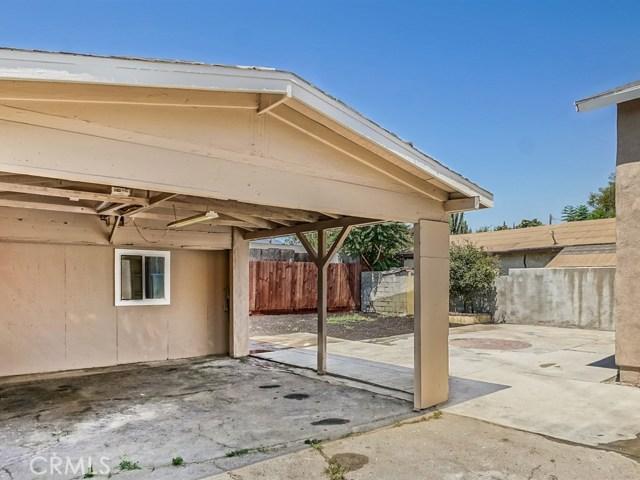 12745 Pierce Street, Pacoima CA: http://media.crmls.org/mediascn/ec069388-6766-47ae-ac00-615cdd5086f8.jpg