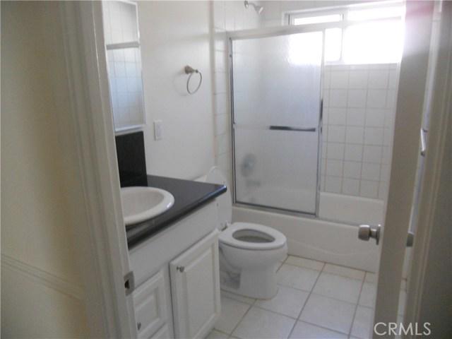 6809 Sale Avenue, West Hills CA: http://media.crmls.org/mediascn/ec1c0ab2-c221-4098-888c-7db73dcb9865.jpg